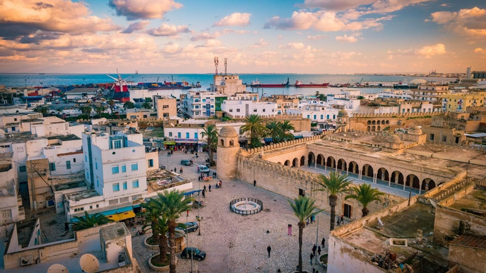 Tunisia's Finance Ministry unveiled a government plan to reduce budget deficit. (Shutterstock)