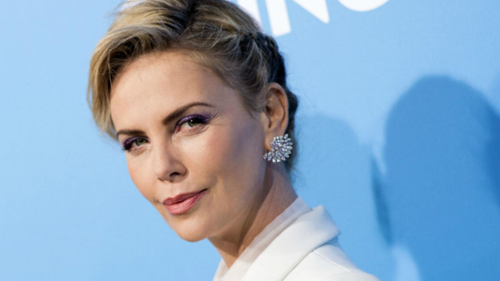 The famous faces you will get to see in Dubai's Annual Global Teacher Prize on Sunday, March 18, will include, the South African Actress Charlize Theron (Source: VALERIE MACON / AFP)