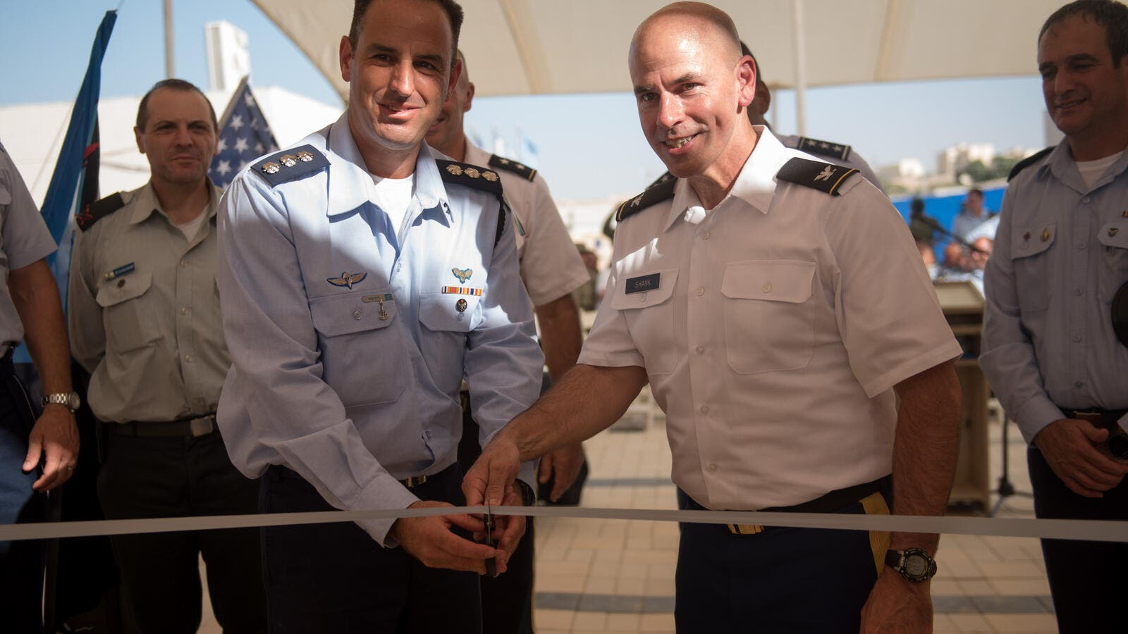 Cutting the ribbon at the new American base. (IDF)