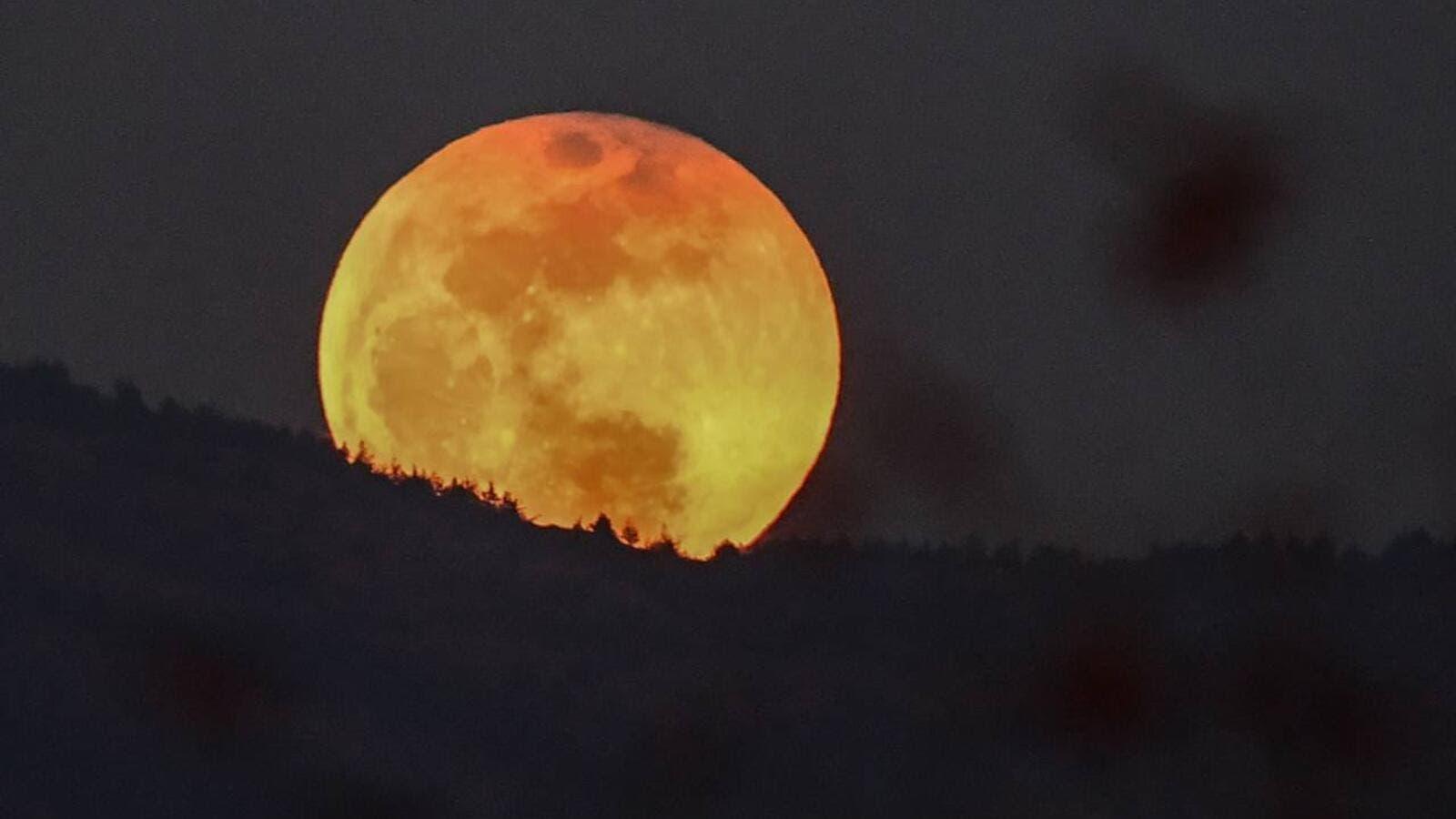 0121f6978188a شيخ درزي يتنبأ بكارثة عالمية ليلة خسوف القمر (فيديو)
