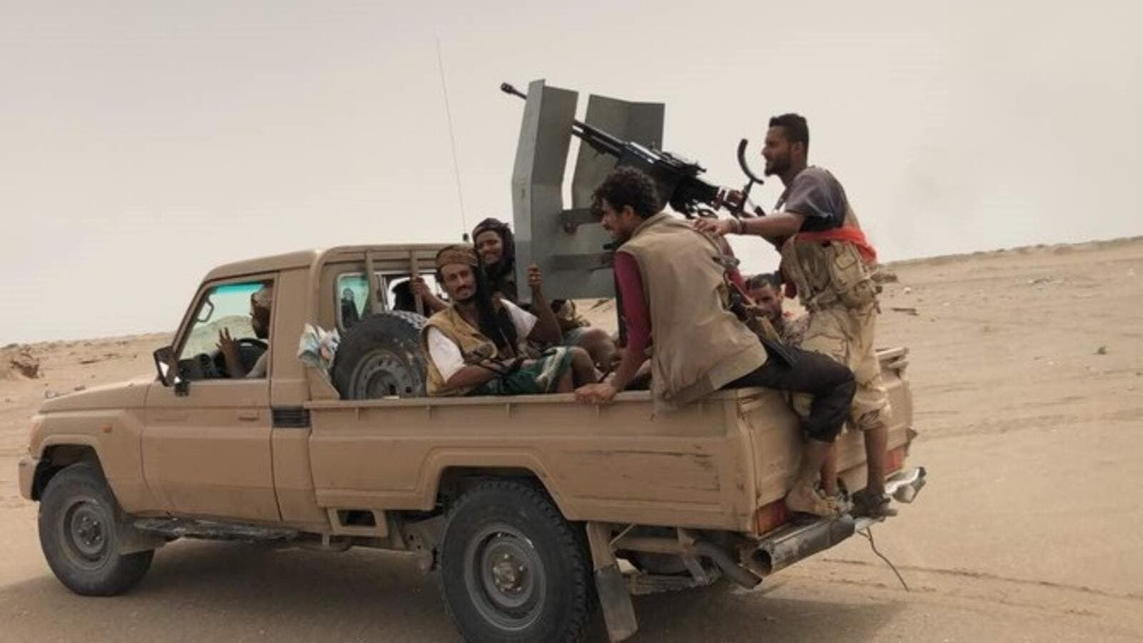 Yemeni pro-government forces during their fight against Iran backed Houthi militia near Hodeidah, Yemen. (AFP)