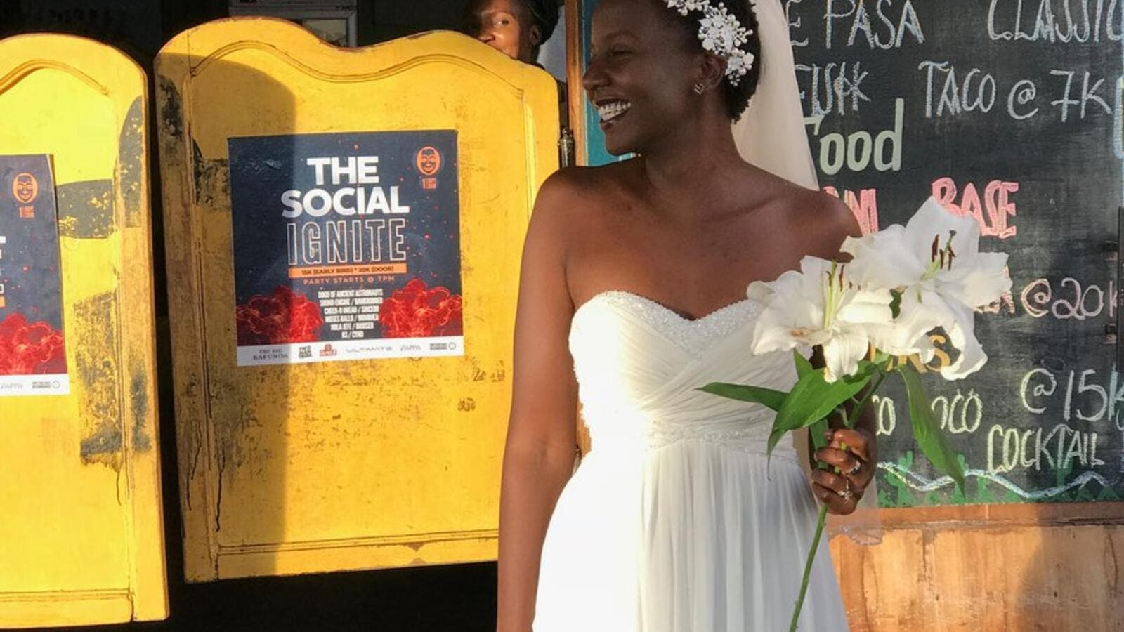 Lulu Jemimah, a 32-year-old woman, got married to herself in a wedding ceremony to highlight the pressure she is being exposed to from her family and society. (Twitter)