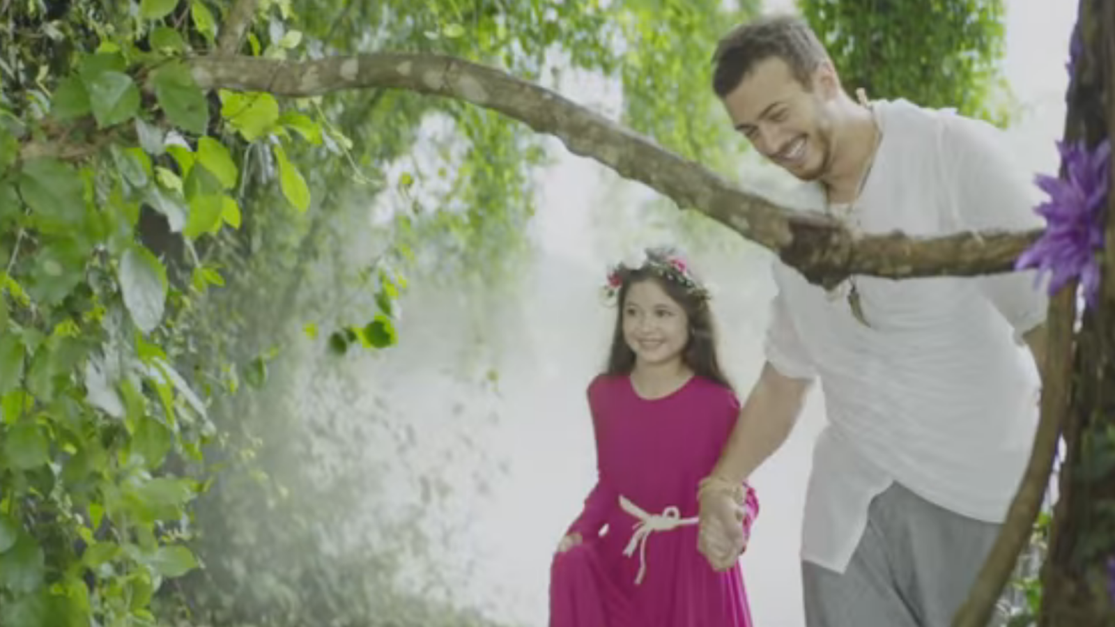 Saad and Munni in a still from the ad. (YouTube)