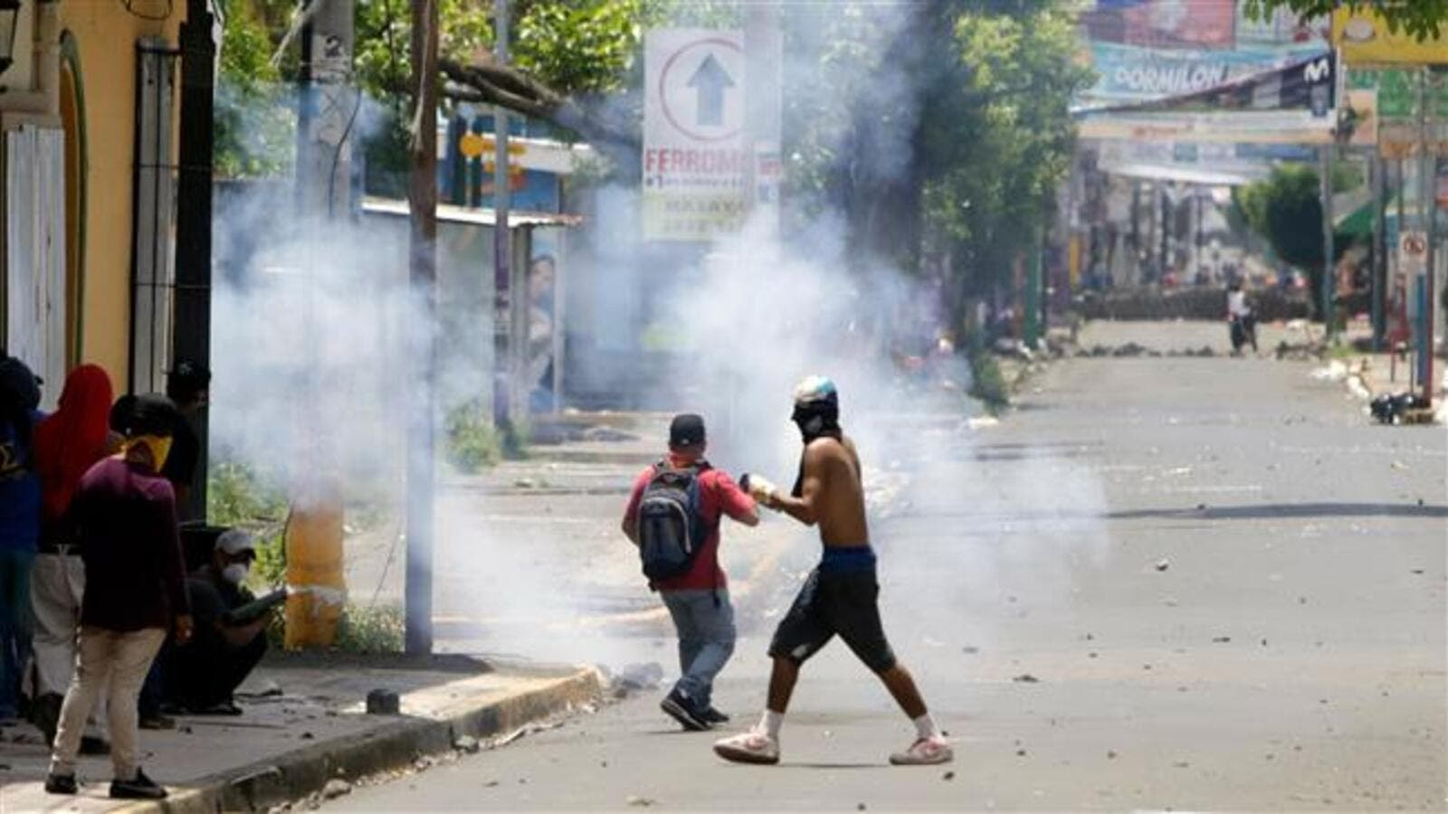 Demonstrators clash with riot police during protests in Monimbo neighborhood in Masaya, Nicaragua on June 2, 2018. (AFP/ File Photo)