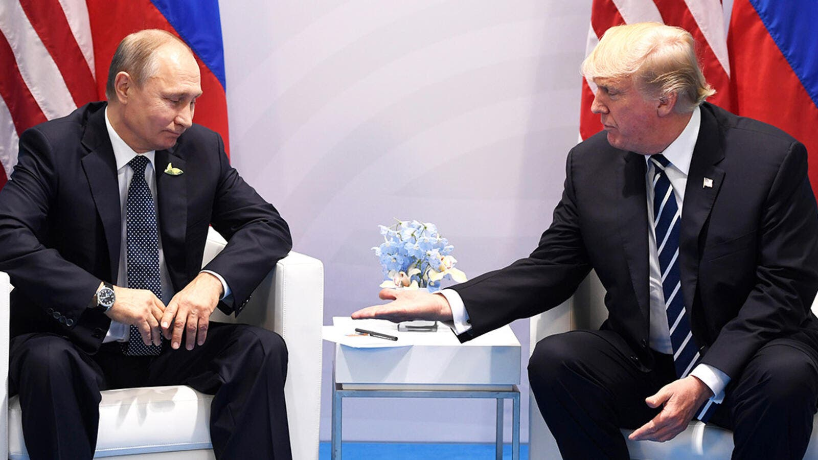 Vladimir Putin and Donald Trump will discuss Syria issues together amid July 16 summit in Helsinki . (AFP/ File Photo)