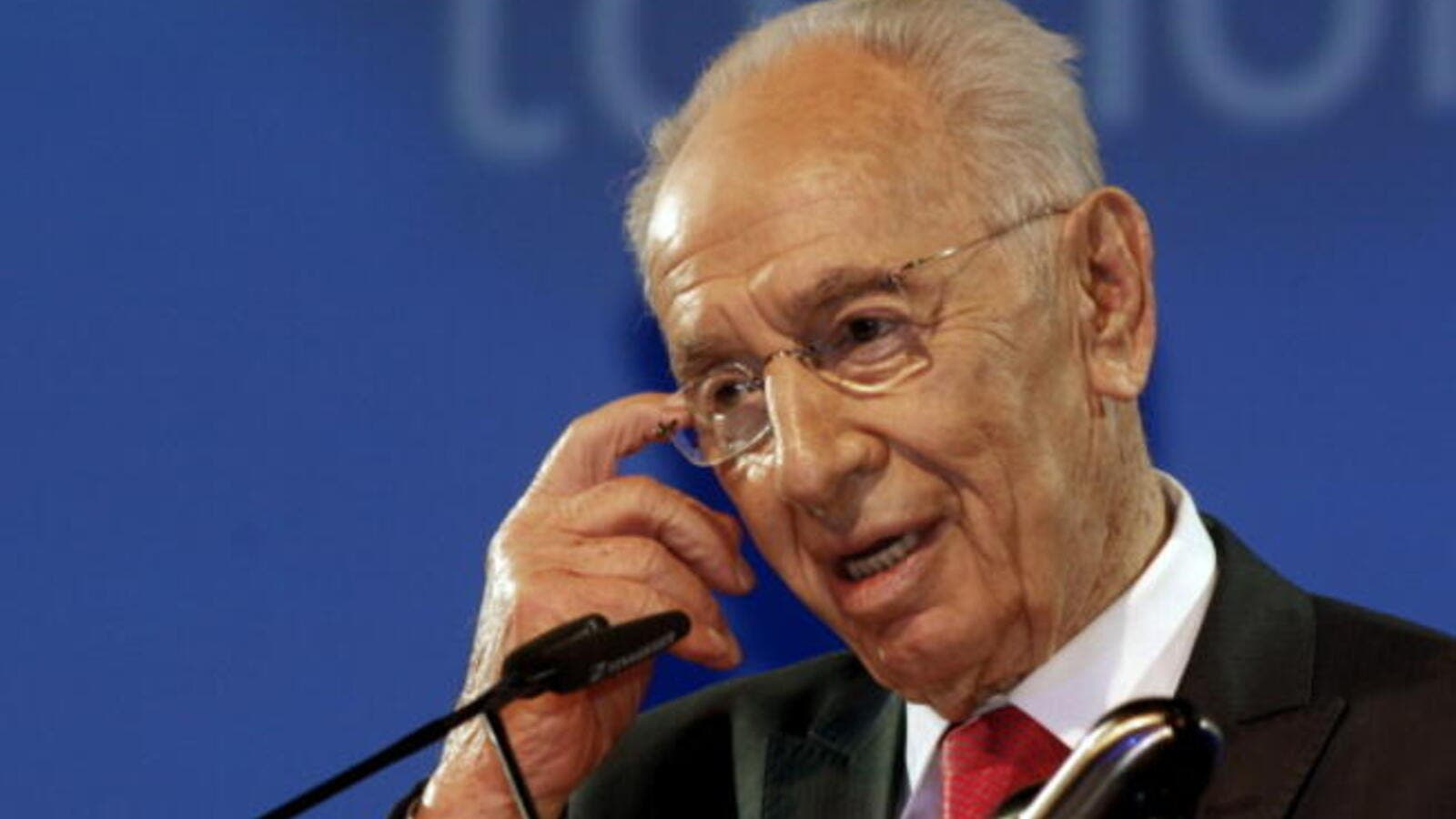 Israeli President Shimon Peres says he is ready to meet his Iranian counterpart Hassan Rowhani. [AFP]