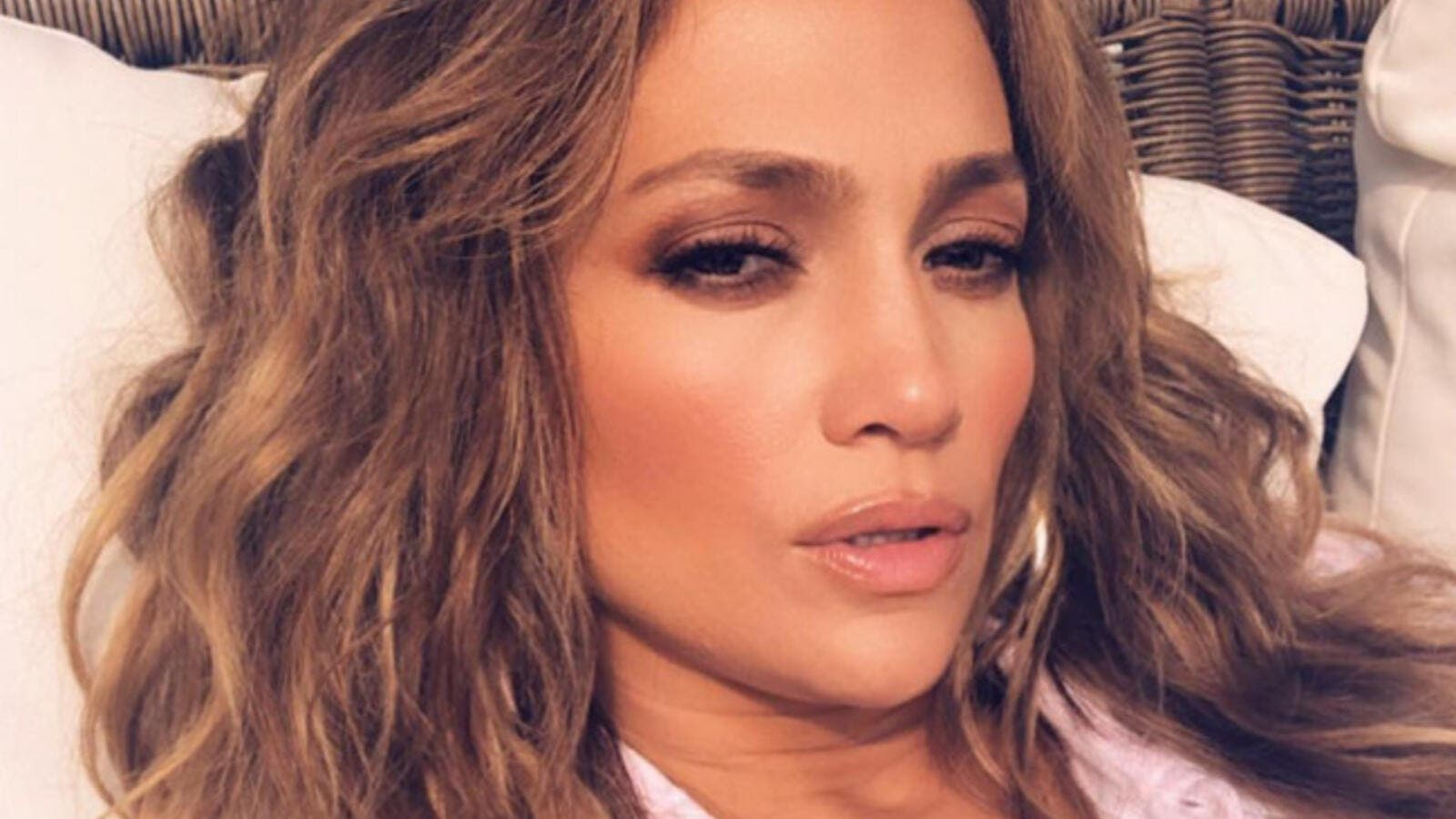 Los Angeles is in the midst of a record heat wave (Source: jlo / Instagram)