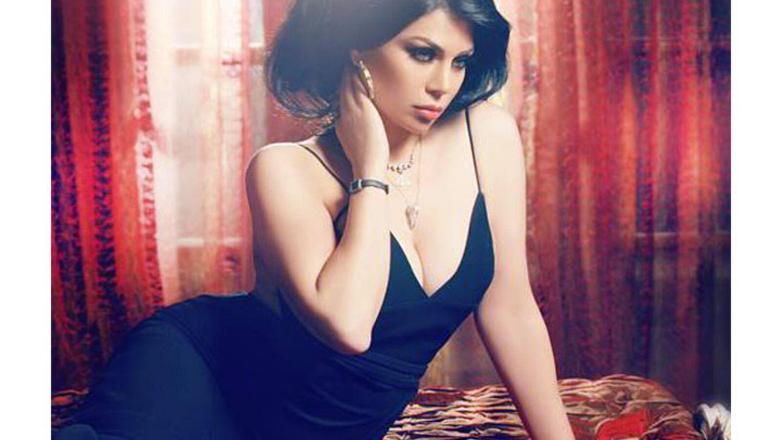 Haifa Wehbe picks and chooses which topics to discuss in interviews. (Image: Facebook)