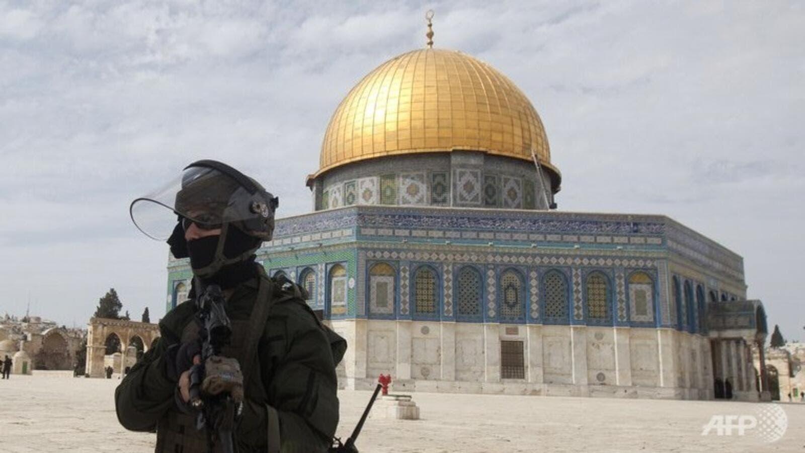 Jerusalem: Israeli police fire stun guns at Palestinian