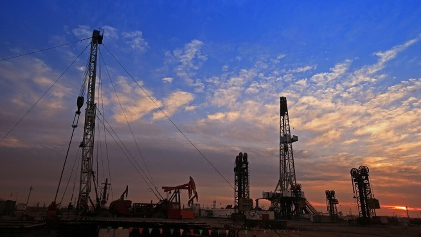 The rising oil price has reduced the need for Gulf governments to sell bonds. (Shutterstock)
