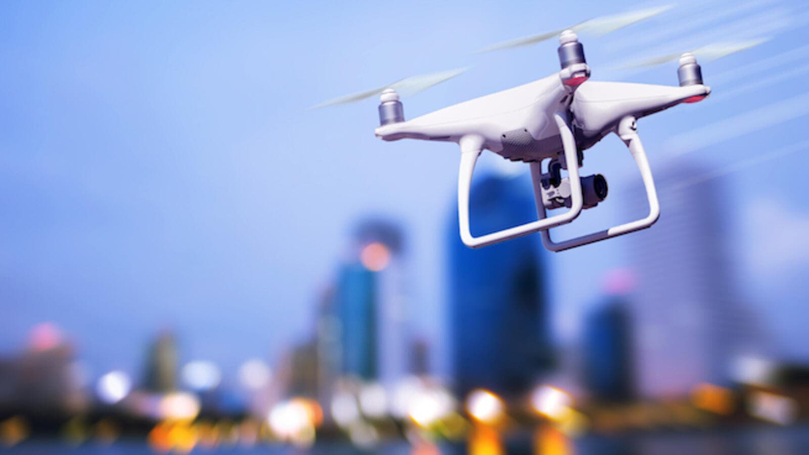With this new regulation it is expected that drones will soon be appearing in stores all around Saudi Arabia. (Shutterstock)
