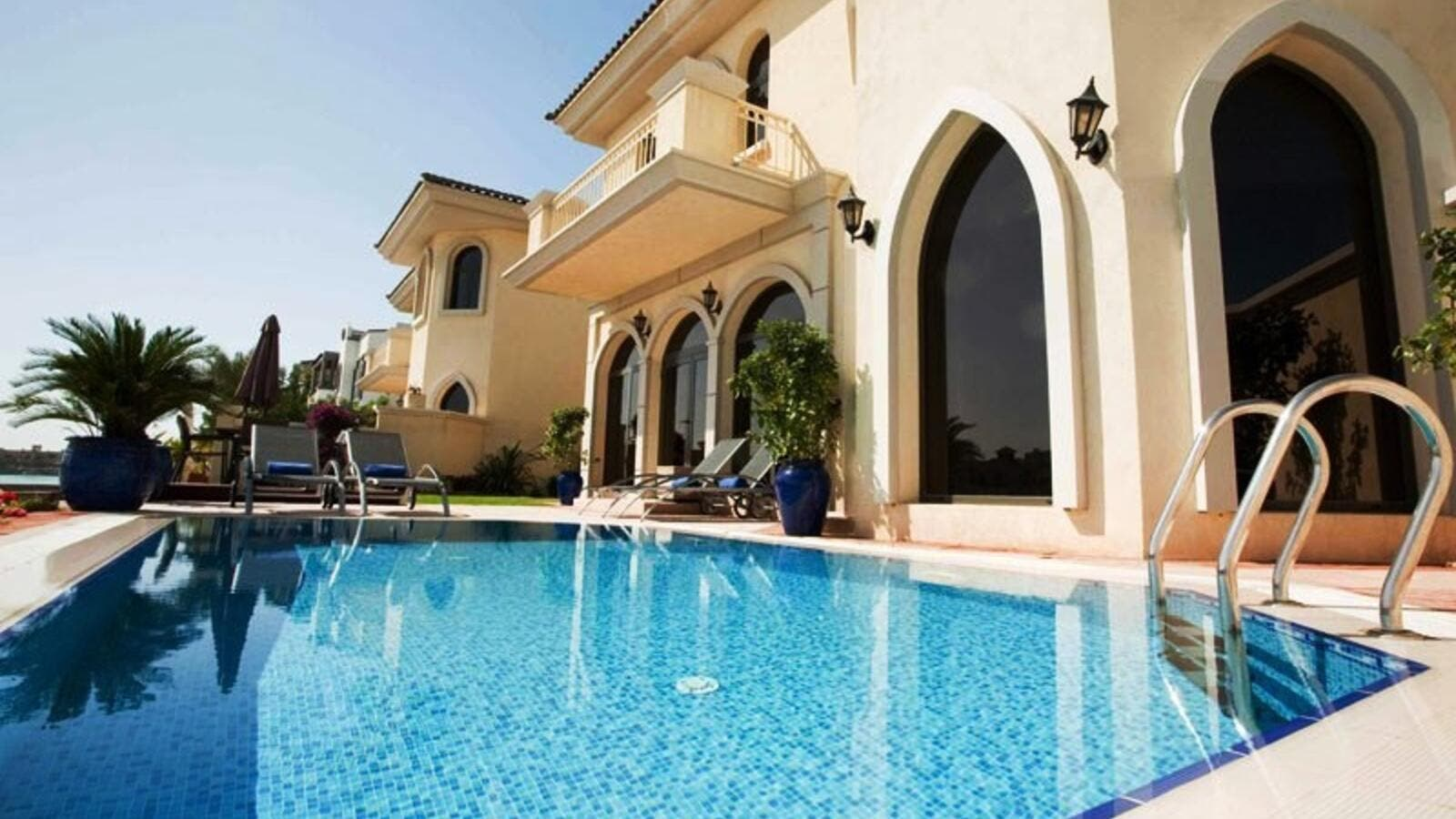 dubai introduces new regulations for holiday home rentals al bawaba rh albawaba com holiday villa dubai palm holiday villa rental in dubai