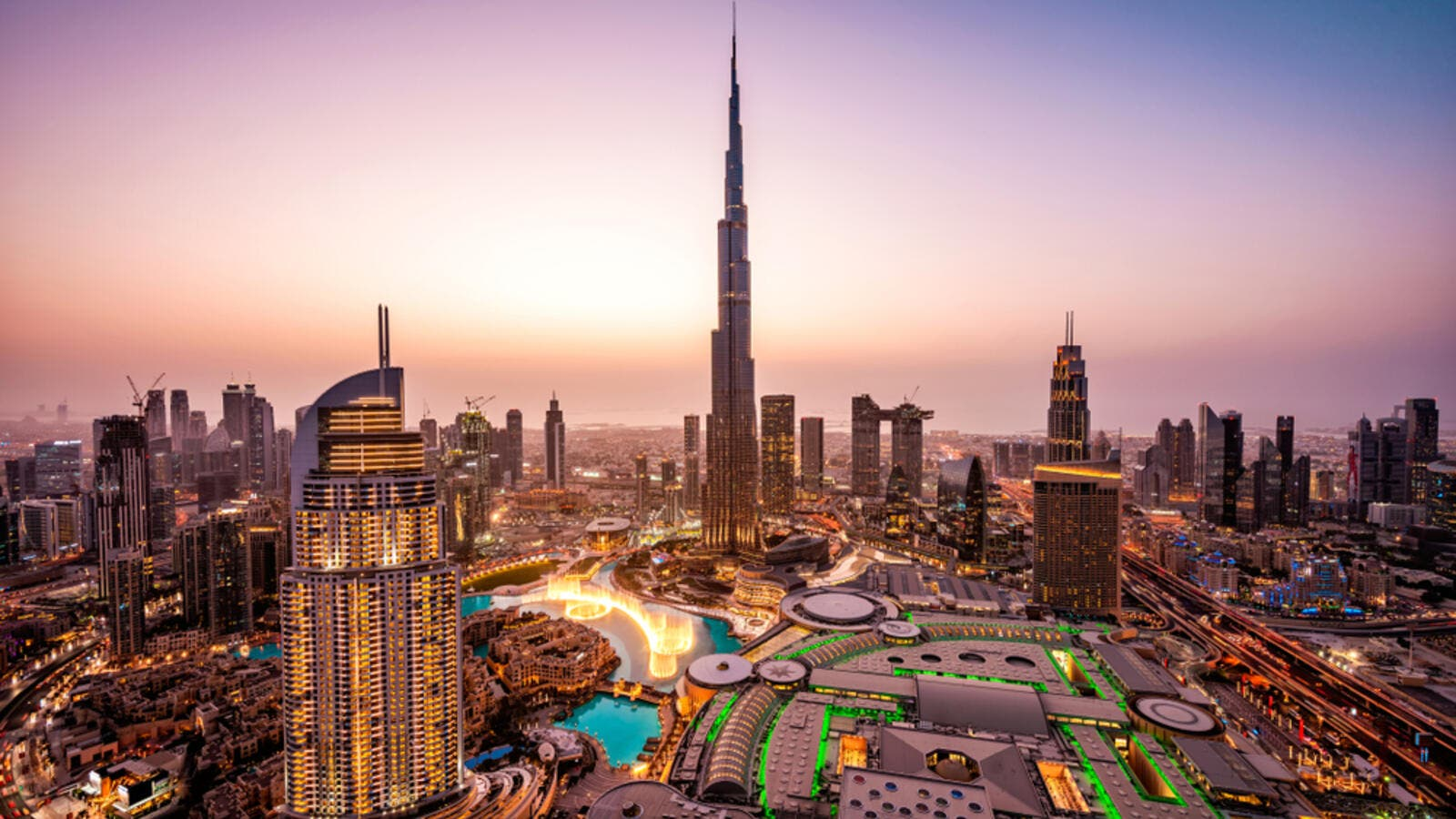 Dubai: No Commercial Activities Until April 18