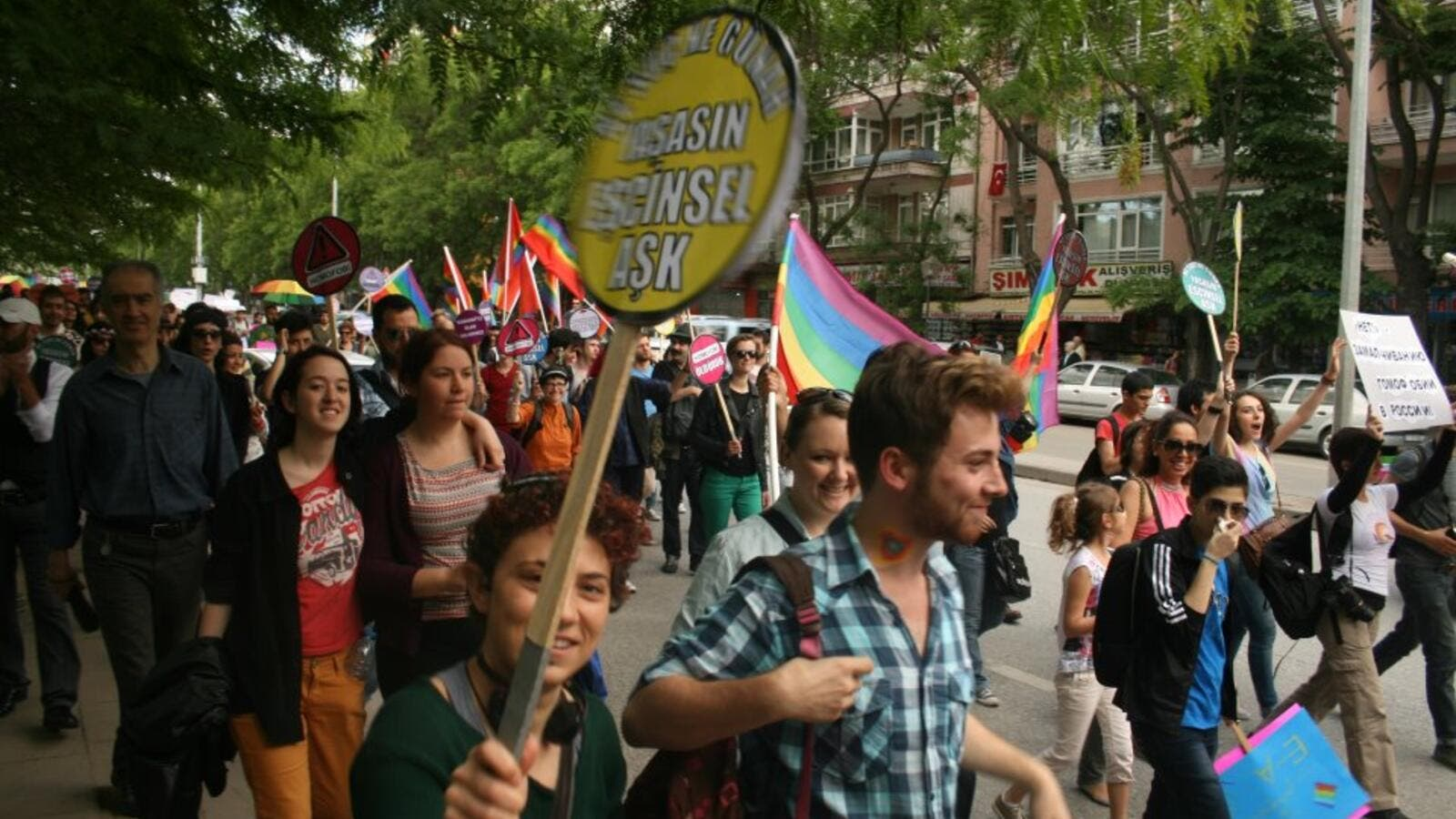 Amnesty International calls on Turkey's authorities to allow gay pride march in an Ankara  (Twitter)