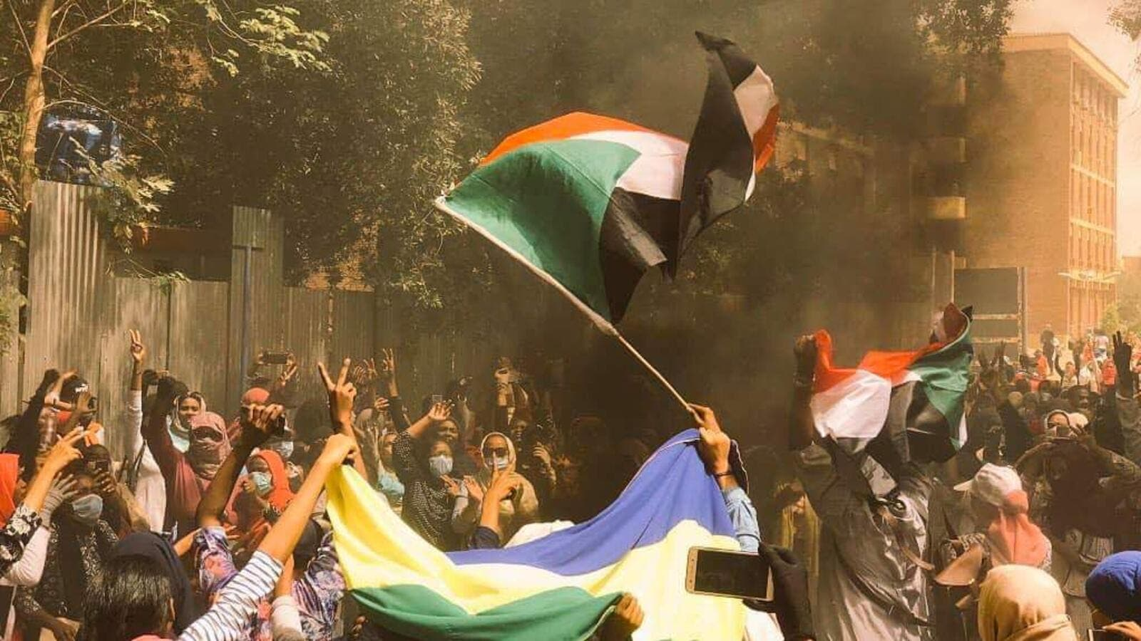 Sudan protests: Military council wants talks to resume