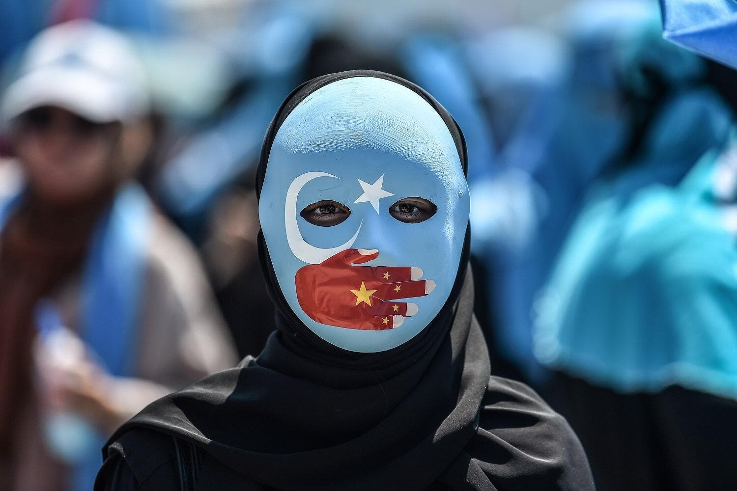 Video of Blindfolded, Shackled Chinese Uighur Muslims ...