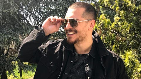 Handsome Turkish Actor Çağatay Ulusoy Invited to Host Dinner for High Society Women in Kuwait!