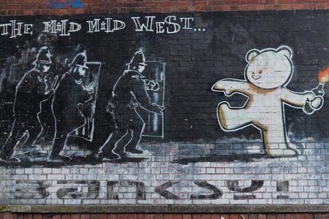 Banksy Set to Delight Saudis With Graffiti Exhibit in Riyadh