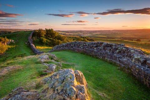 Hiking Lovers: Hadrian's Wall Awaits You