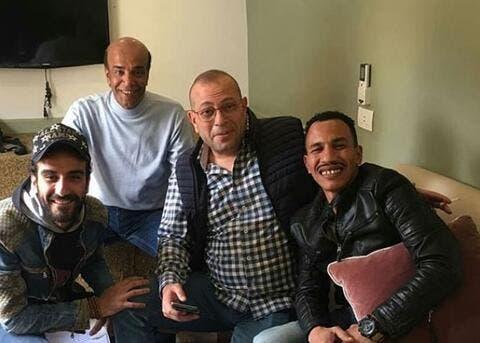 فنان مصري شهير يتعرض للتنمر بسبب شكله..شاهدوا كيف تعامل مع الأمر!