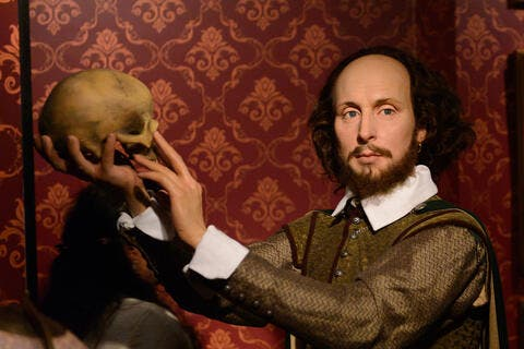 Researchers Reveal Shakespeare Was 'Undeniably Bisexual' Despite His 34-Year Marriage