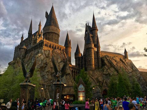 Hogwarts-Style Castle Floats in China Skies, Social Media Users Go Wild!