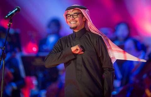 رابح صقر حديث النشطاء بسبب إطلالته في ألبومه الجديد..