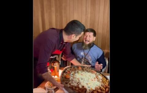 الشيف بوراك يخدع الرئيس الشيشاني (فيديو)