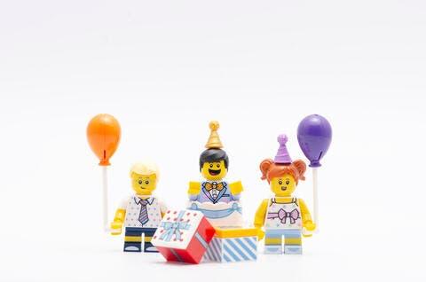 'Eid Mubarak'! LEGO Tweets For Ramadan