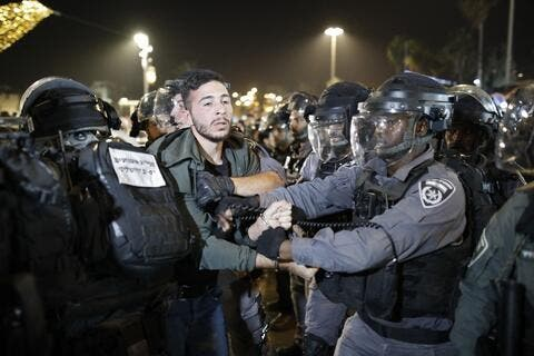 Israeli Forces Continue Attacks on Palestinians at Damascus Gate