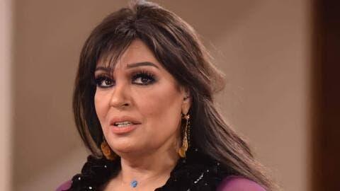 فيفي عبده في أول ظهور لها بالضمادات بعد عمليتها الجراحية!