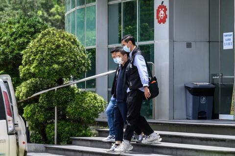 Hong Kong Police Raid Apple Daily, Arrests Pro-democracy Journalists
