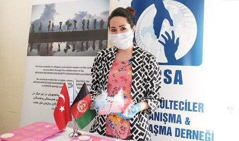 Afghan Woman Doctor Saluted For Helping Refugees