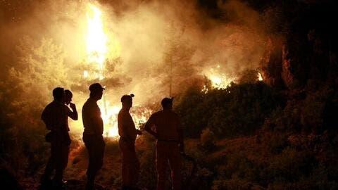 فيديو: اعتقال اشخاص افتلعو اشعال الحرائق في تركيا