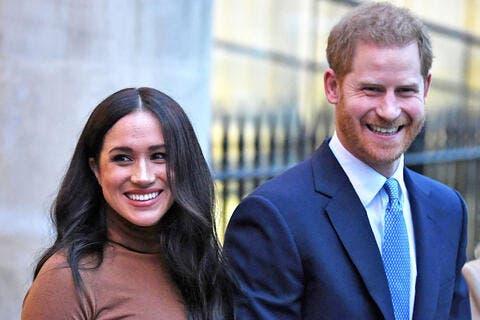 شاهد شكل أفراد العائلة المالكة لو ساروا على معايير الجمال الحديثة.. الأمير هاري سيصدمك!