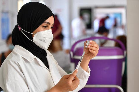 More Tunisians Rush to Vaccination Centers Amid COVID-19 Spike