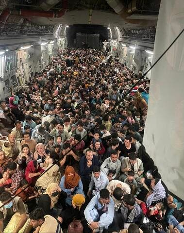Hundreds of Afghan Civilians Board US Air Force Plane