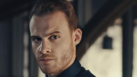 Kerem Bürsin Writes an Angry Message to Instagram After His Account Was Deleted