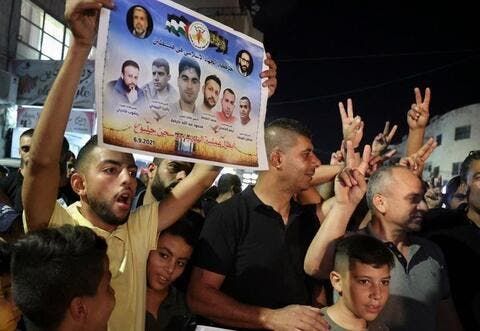In Hysterics: Israel Arrest Relatives of Escaped Prisoners