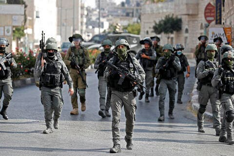 Israeli Forces Capture Two Palestinian Prisoners Who Escaped