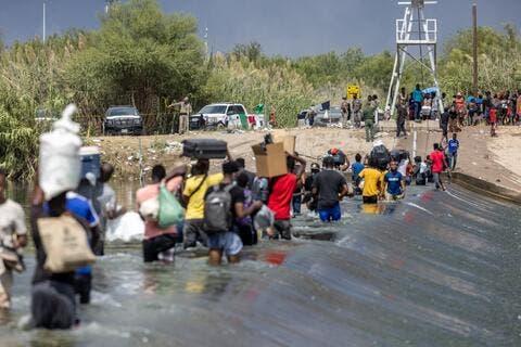 Border Patrol Removes 14,800 Migrants Under a Texas Bridge