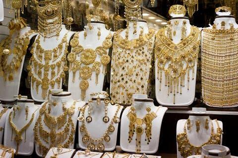 الذهب في الامارات يستمر في مكاسبه اليوم
