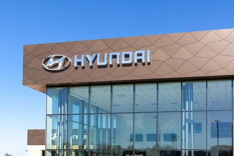 Hyundai to Develop Batteries for EVs, Hydrogen Fuel Cell Vehicles