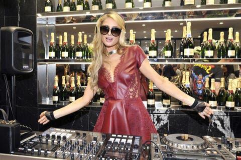 Crypto News Recap: Paris Hilton Becomes An NFT Advisor, Bitcoin Recovers to $39K