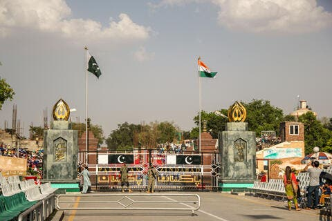 Pakistan Resumes Trade with India After 2 Years