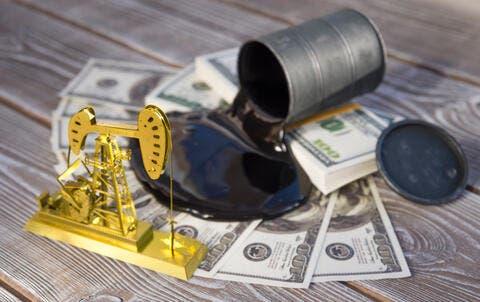 Oil Declines As OPEC+ Sticks to Gradually Raise of Output