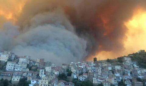مصرع 7 أشخاص في حرائق الجزائر