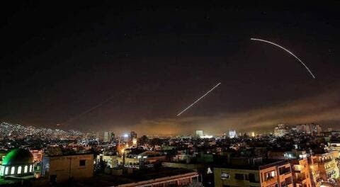 قصف صاروخي اسرائيلي يستهدف محيط مدينتي دمشق وحمص (فيديو)
