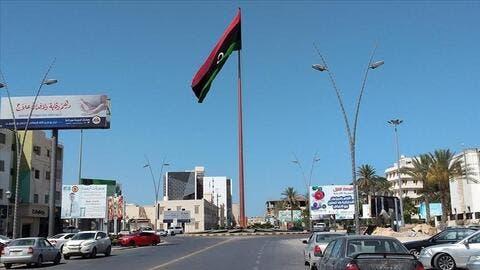 ليبيا تغلق المقاهي وتمنع التجمعات والامارات تمنح تونس 500 ألف جرعة لقاح