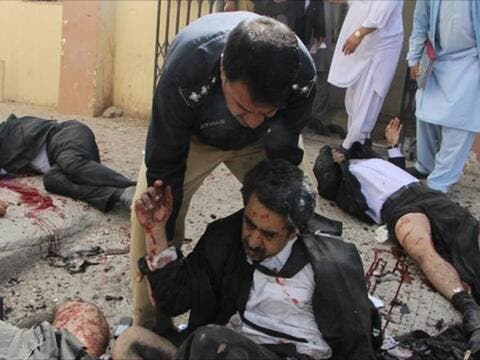قتلى وجرحى بانفجار فندق في باكستان
